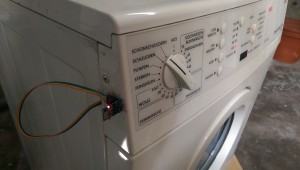 Washing machine with new internet antenna
